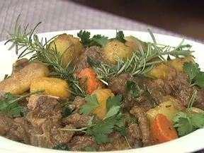 Saiba como preparar uma saborosa receita com carne de ovelha - A dica vem de mais uma finalista do comcurso de Receitas do Caminhos do Campo
