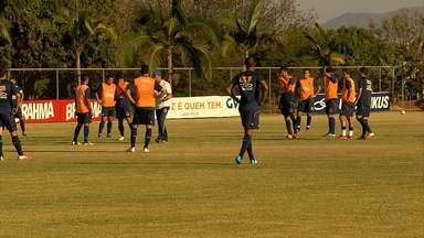 Depois de nove meses treinando, colombiano Diego Arias começa a jogar pelo Cruzeiroi - Jogador também deve participar da partida contra o Grêmio.