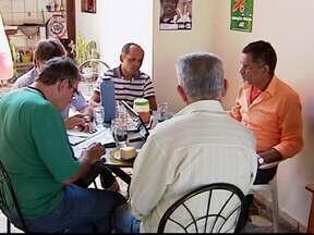Confira como foi a quinta-feira dos candidatos a prefeito de Uberlândia - Candidatos se reuniram com equipes de campanha.Todos os concorrentes se preparam para o debate da TV Integração.