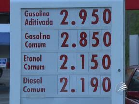 Preço da gasolina sobe 20% em Salvador - Até o último sábado, o litro do combustível variava entre R$ 2,37 e R$ 2,47, mas depois do aumento está na faixa de R$ 2,85.