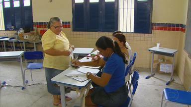 Marcos José, Mário Ricardo e Cláudio Luciano vencem em Abreu e Lima, Igarassu e Itapissuma - Em Abreu e Lima, Marcos José da Silva, do PT, foi eleito com 44% dos votos. Em Igarassu, Mário Ricardo Santos de Lima, do PTB, foi eleito com 53% dos votos. Em Itapissuma, Cláudio Luciano da Silva Xavier, do PSDB, foi reeleito com 58% dos votos.