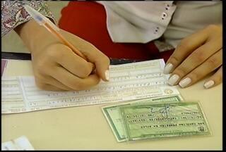 Eleitores de Januária fazem questão de ir às urnas - Foi eleito o candidato Manoel Jorge, do PT. A cidade trocou de prefeito oitos vezes desde 2004.