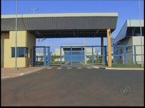 Polícia procura por homens que resgataram preso em Rio Preto - A Polícia Militar de São José do Rio Preto (SP) procura por quatro homens que resgataram um detento no CPP (Centro de Progressão Penitenciária) na noite deste sábado (6). A vigilância percebeu a ação dos bandidos e acionou o reforço.