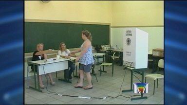 Veja como foi o dia de votação nas cidades da região - Eleitores de São José dos Campos, Jacareí, Atibaia e Bragança Paulista foram às urnas.