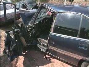 Homem morre em acidente perto de Umuarama - Foi na noite de domingo (07) entre Umuarama e Maria Helena.
