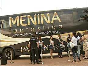 Ônibus do Menina Fantástica circula pela região - O ônibus do concurso Menina Fantástica está circulando pela região. Durante a manhã desta segunda-feira (8), a seleção passou pela cidade de Itu (SP) e escolheu as candidatas da cidade.