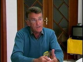 Veja como foi o primeiro dia do prefeito eleito de São José do Norte, Zeny Oliveira - O RBS Notícias acompanhou a agenda do prefeito.