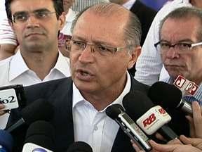 Geraldo Alckmin fala sobre altos índices de violência no estado de São Paulo - Segundo o governador Geraldo Alckmin, serão colocados mais 5 mil policiais militares no patrulhamento a partir desta quarta-feira (10). A prioridade é a região metropolitana de São Paulo.