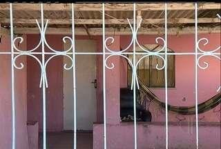 Polícia ainda não conseguiu ouvir o pai das crianças abandonadas em Araruama, RJ - Os meninos, um de um ano e sete meses e outro de três meses, estavam sozinhos em uma casa no bairro Viaduto.