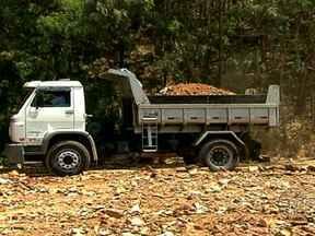 Empresas públicas e privadas faturam com a reciclagem de entulho - Usinas de reciclagem, em Belo Horizonte, reciclaram 112 mil toneladas de material em um ano. As empresas que utilizam a matéria-prima podem ter até 30% de redução de custos.