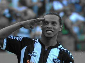 Fluminense e Atlético-Mg fazem o melhor jogo do Brasileirão - Em um jogo emocionante, o Galo derrotou o Flu por 3 a 2 e diminuiu a distância dos cariocas na liderança para apenas seis pontos. No Rio, o Flamengo levou a melhor sobre o São Paulo e venceu por 1 a 0.