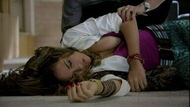 Salve Jorge - Capítulo de sábado, dia 27/10/2012, na íntegra - Morena desmaia na frente de Lena