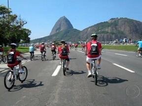 Inscrições para o World Bike Tour terminam nesta terça-feira (30) - O passeio ciclístico acontece no dia 3 de março. Seis mil pessoas vão percorrer 11km, desde a Praia de Copacabana até o Aterro do Flamengo. Os participantes vão poder ficar com todo o equipamento, que inclui a bicicleta, o capacete e a mochila.