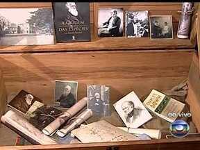 Exposição sobre a vida e obra de Darwin pode ser conferida dentro do navio Tocorimé - A mostra é realizada dentro do navio Tocorimé, que é uma réplica da embarcação utilizada pelo naturalista Charles Darwin. A exposição ficará aberta ao público até o dia 14 de novembro.