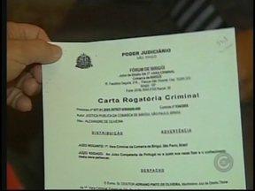 'Quero que apodreça na cadeia', diz pai que localizou estuprador da filha - A Polícia Federal de Portugal aguarda a documentação da justiça brasileira para extraditar o homem acusado de estuprar uma jovem de Birigui, em 2005. A caçada ao criminoso começou quando o pai da vítima não se contentou com o arquivamento do processo
