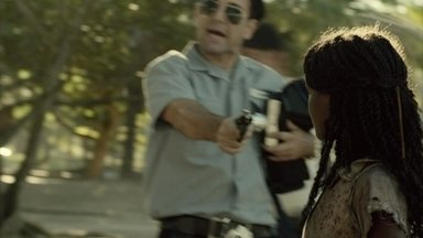 Confundida com assaltantes, Conceição é apreendida pela polícia - Eles a mandam para um abrigo de menores