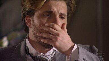 Lado a Lado, Capítulo de segunda-feira, dia 05/11/12, na íntegra - Laura pede o divórcio a Edgar. Catarina faz Laura acreditar que Edgar se envolveu com ela. Isabel se oferece para ir com Dorleac para Paris