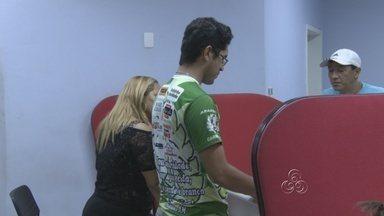 Médico é suspeito de agredir pai de paciente em pronto socorro de Manaus - Um médico plantonista é suspeito de ter agredido o pai de uma criança durante uma consulta em um pronto socorro no bairro da Redenção, em Manaus. O caso aconteceu na noite de quarta (7).