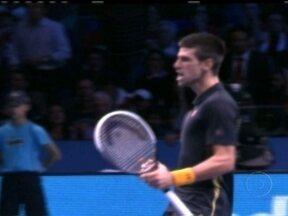 Novak Djokovick vence Federer e conquista o Torneio dos Campeões - Com parciais de 7/6(8-6) e 7/5, sérviu bateu o suíço por 2 a 0.