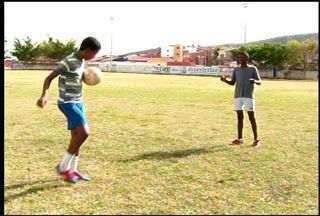 Projeto solidário leva esporte a adolescente - Grupo precisa de apoio para manter o projeto.