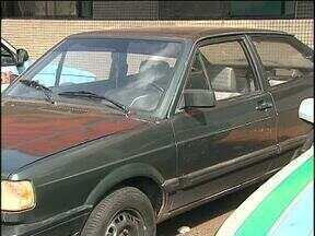 Carros roubados são encontrados em unidade de saúde - Um guarda patrimonial desconfiou dos carros e chamou a polícia.