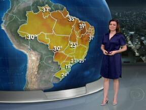 Chuva já está acima da média na Bahia, em Minas e Goiás - Chuva veio muito forte nesta terça no Rio de Janeiro e também no interior de São Paulo, em Minas Gerais e em Goiás. Em Nova Friburgo, no RJ, choveu 35% da média esperada pra novembro. Na quarta a chuva vai ser mais intensa no ES e em MG.