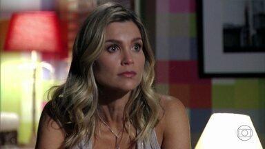 Érica acredita que sua história com Théo não acabou - Márcia concorda com a amiga