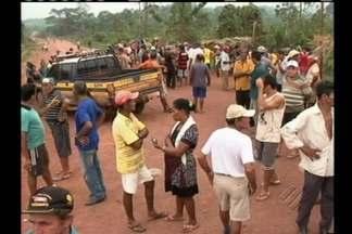 Depois de quase 12 horas de protesto, trabalhadores rurais liberaram rodovia - Trabalhadores pedem desenvolvimento na área rural.