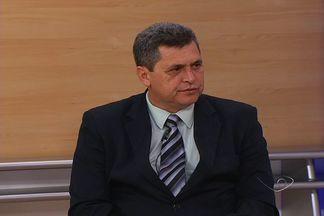 Presidente da Amunes fala sobre queda na arrecadação das prefeituras do ES - Prefeitos pediram socorro ao governo federal, mas se não fecharem as contas no azul, próximos pefeitos não terão verba.