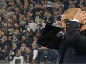 Chelsea demite o técnico - O possível adversário do Corinthians demitiu o treinador do time, Roberto Di Matteo, na manhã desta terça (21). Segundo a página do Chelsea na internet, o novo técnico será anunciado em breve.
