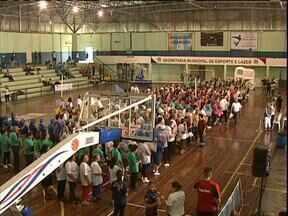 Campeonato incentiva prática de esportes entre idosos - Competição é realizada em São José dos Pinhais e reúne mais de 550 idosos
