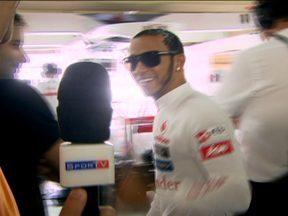 Conheça os bastidores dos boxes da Mclaren - Reportagem do Globo Esporte ganha acesso à secreta sala de vidro da Fórmula 1.