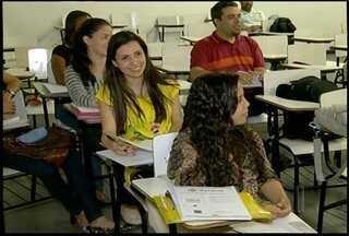 Universitários de Nova Friburgo, Região Serrana, se preparam para o Enade - O exame acontece em todo o país e avalia os cursos de graduação. Em Nova Friburgo, mais de 560 universitários farão a prova.