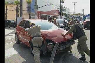 Mais um acidente é registrado na avenida Centenário, em Belém - Três pessoas ficaram feridas.