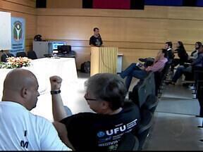Plano Diretor de Uberlândia, MG, é discutido em seminário - Relatório com a conclusão das discussões foi enviado à Prefeitura. O trabalho foi realizado desde março, disse o coordenador do fórum.