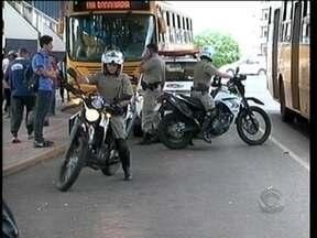 Operação policial é realizada para acabar com a prostituição nos terminais de Chapecó - Operação policial é realizada para acabar com a prostituição nos terminais de Chapecó.