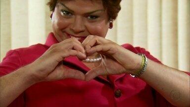 """""""Momenta da presidenta""""! Dilma confessa que é louca - """"Totalmente maluca por vocês... meu povinho brasileirinho queridinho do meu coração"""", discursa"""