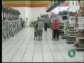 Supermercados tranquilos em Ponta Grossa - A correria para as compras da ceia ainda não se intensificaram, mas é bom se programar pra comprar antes.