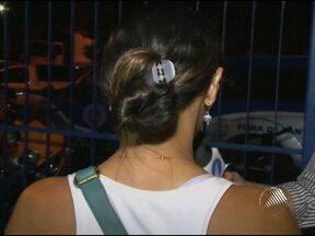 Quatro bandidos invadem casa e espancam casal e duas adolescentes em Feira - A maior dor da mãe é que a menina mais nova, de apenas 12 anos, foi a mais agredida.