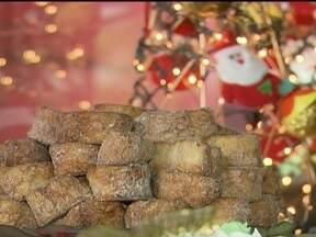 Encomendar ceia de Natal pode ser mais prático - A maioria dos estabelecimentos aceita encomendas até este sábado (22). A rabanada é a campeã de vendas. O quilo varia de R$22 a R$55. Uma ceia completa fica por volta de R$400.