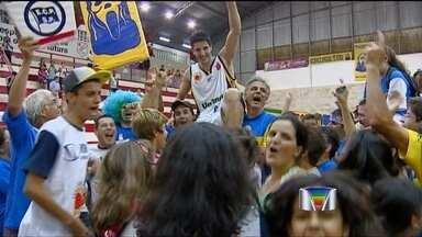 São José Basketball vence o Pinheiros pelo NBB - Em partida disputada em casa, o São José Basketball venceu o Pinheiros.