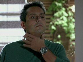Vídeo Show tenta levantar a moral de Stenio, de Salve Jorge - Personagem de Alexandre Nero é inseguro e tem sérios problemas de autoestima