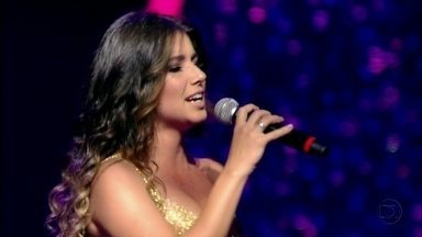 Paula Fernandes encanta na noite de Ano Novo - Ela canta seu hit 'Eu Sem Você'