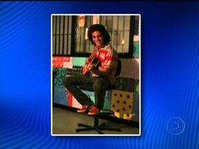 Surge uma pista do brasileiro que sumiu há duas semanas nas montanhas do Peru - Uma mulher reconheceu pela foto o estudante Artur Paschoalli, de 19 anos, que desapareceu há duas semanas no Peru. Ele teria sido visto no dia 28 de dezembro.