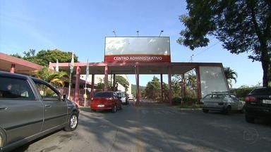 Moradores de Santa Luzia reclamam da falta de atendimento médico - Serviços básicos estão suspensos. Novo prefeito alega que encontrou a cidade em desordem.
