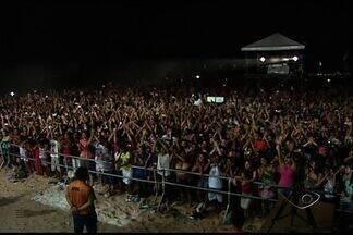 Veja como foi o primeiro dia do Jesus Vida Verão - Maior evento gospel realizado na praia em todo o Brasil, segundo a organização