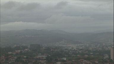 Previsão é de tempo nublado e chuva para esta quinta-feira em Campinas - A previsão do tempo para está quinta-feira (10) em Campinas é de tempo nublado. O tempo fica fechado e chuvoso, com possíveis trovoadas ao longo do dia.