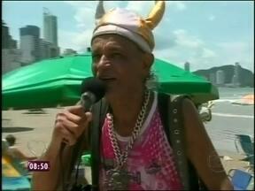 Verão, praia, sol e trabalho! Saiba ganhar dinheiro na estação mais quente do ano - Vendedores ambulantes aumentam a renda e fazem a alegria dos turistas
