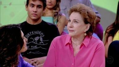 Susana Faini se emociona ao falar da relação entre mãe e filha - Atriz diz que aprende a cada dia com a sua filha