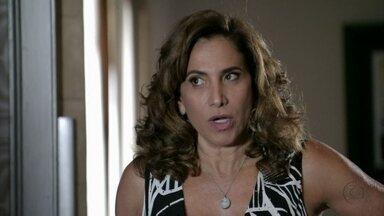 Wanda pede a Lívia que tome cuidado - Lívia diz que há vários motivos para uma policial sofrer um atentado